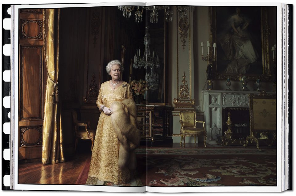 Annie-Leibovitz-book-Elizabeth-II