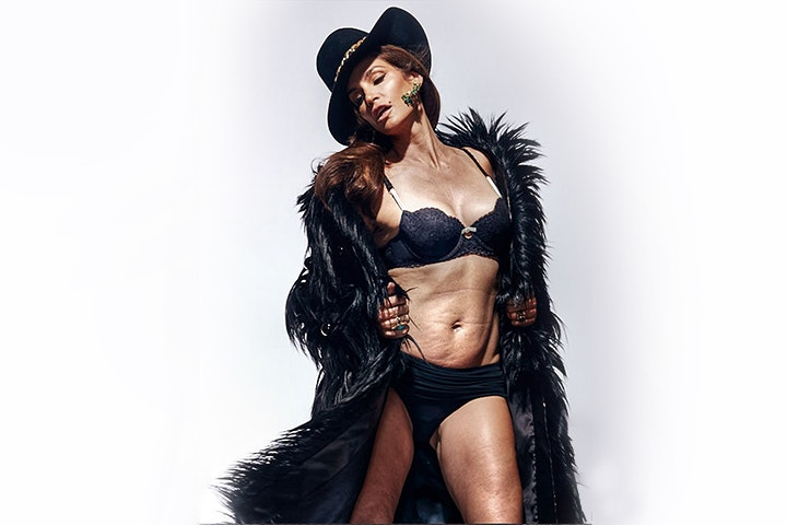 Unretouched Photo Of Cindy Crawford Is Leaked To Internet Bird In