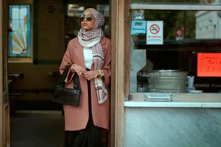В рекламе H&M впервые снялась модель в хиджабе — Bird In Flight