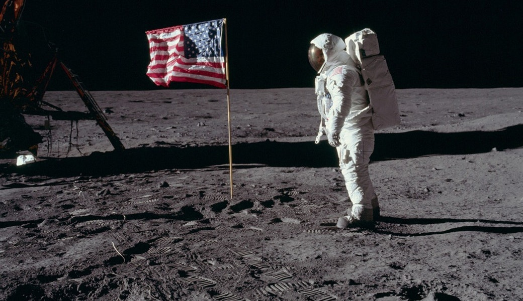 enough lying new photos of the moon landing bird in flight