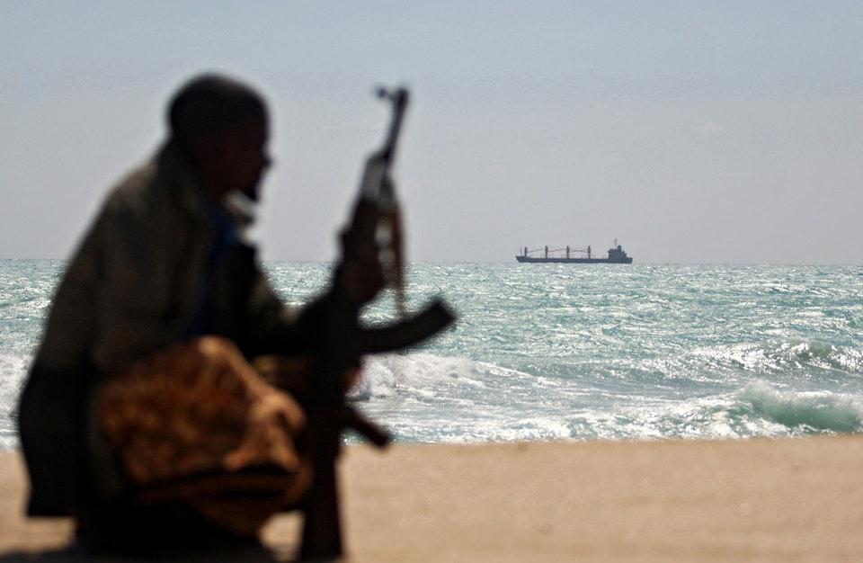 Hasil gambar untuk Somali Pirates VS US Army / wapo / GIF