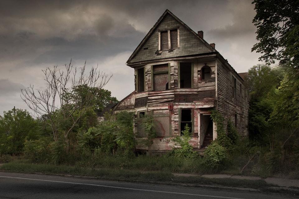 seph-lowless-09-detroit-outside