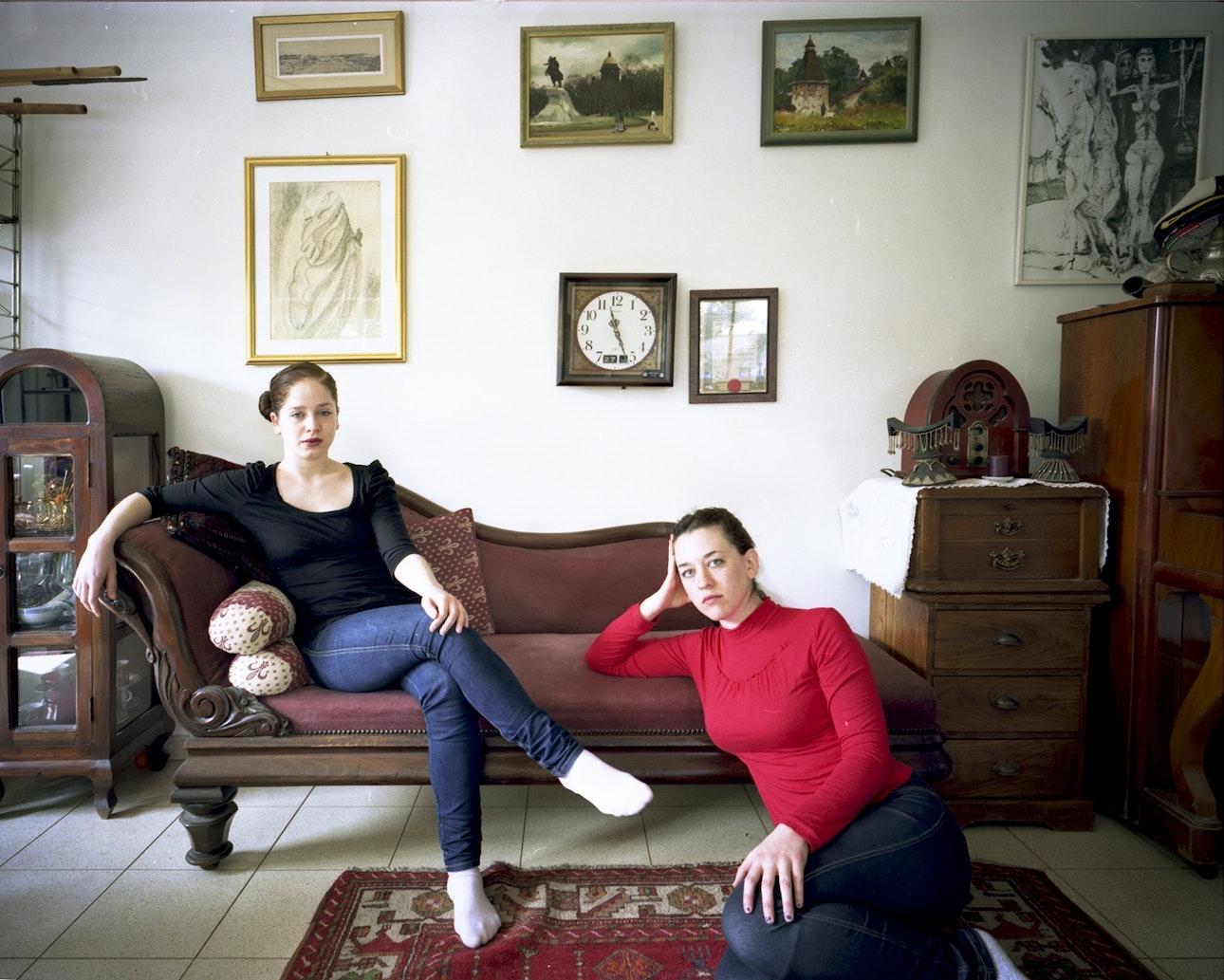 4.Sisters (no.1)-min