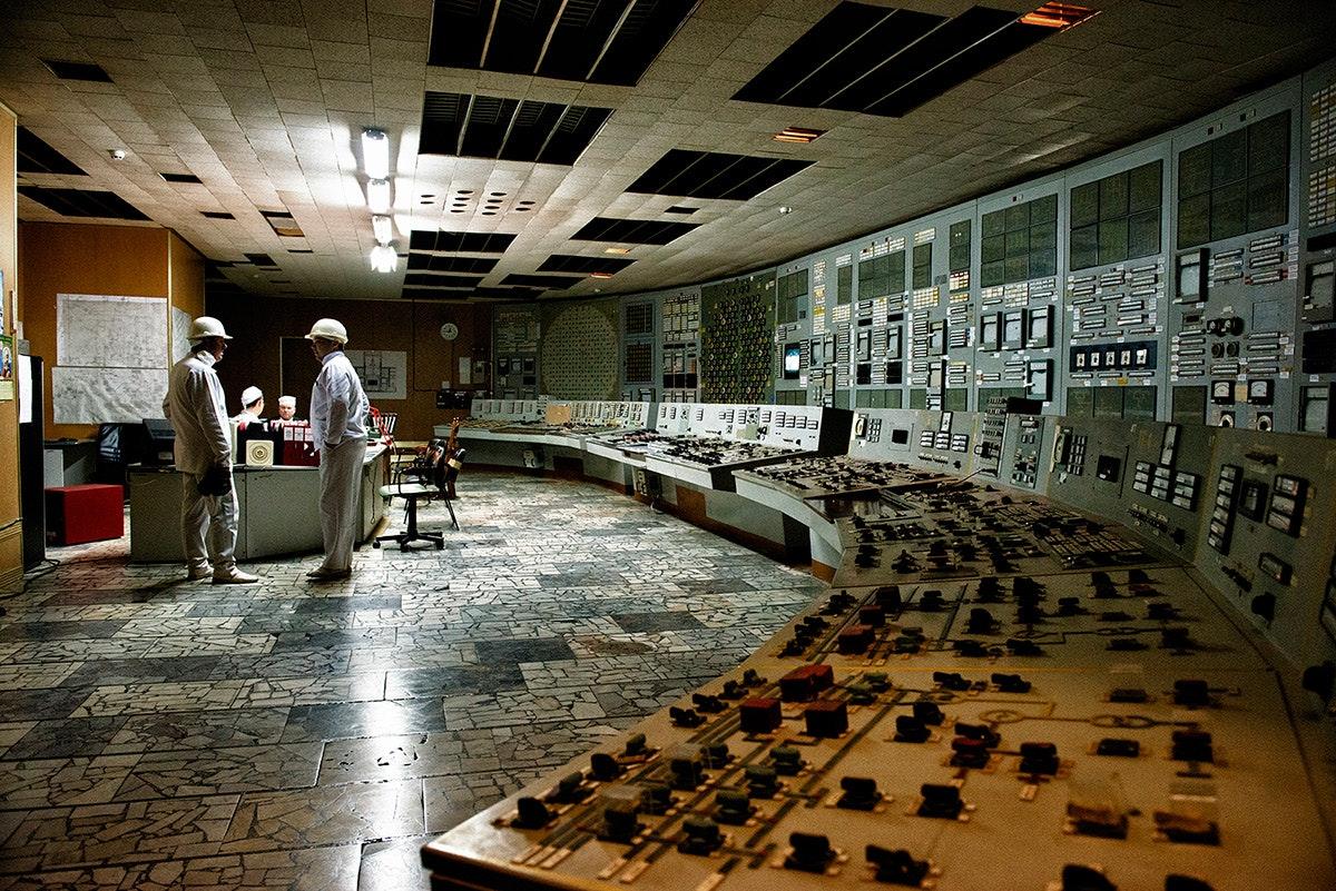 Inside-Chernobyl-NPP_05