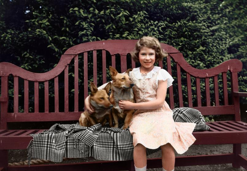 queen-elizabeth-colorized-photos_03