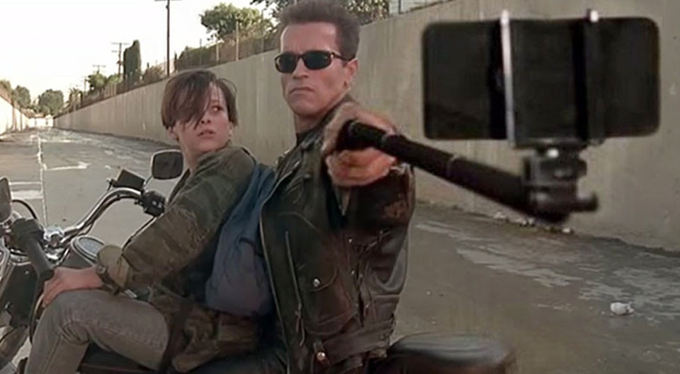 guns-replaced-with-selfie-sticks