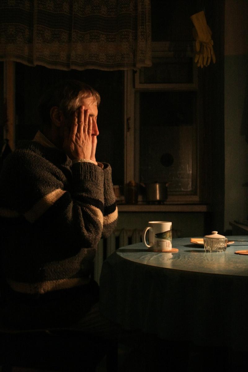 Портрет отца на кухне