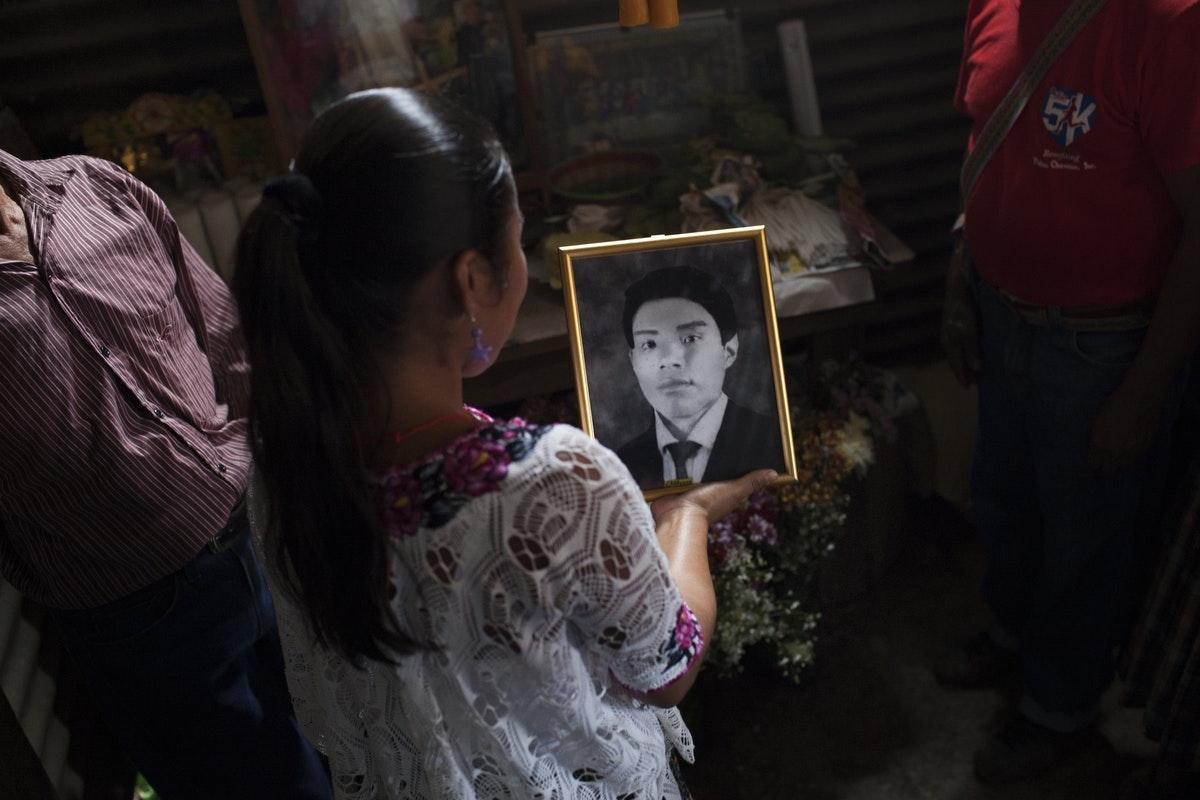 Burial of Agustin Tec Pop