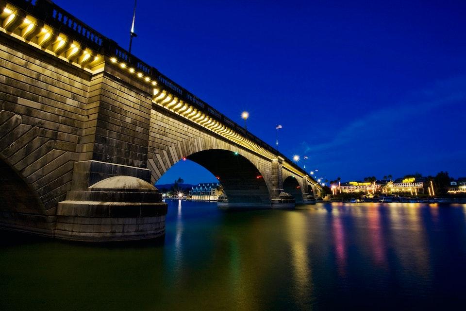 Лондонский мост в Лейк-Хавасу-Сити, 2014 год.  Фото: Mint Images RF / East News