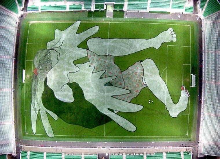 ella-and-pitr-stadium-painting_02