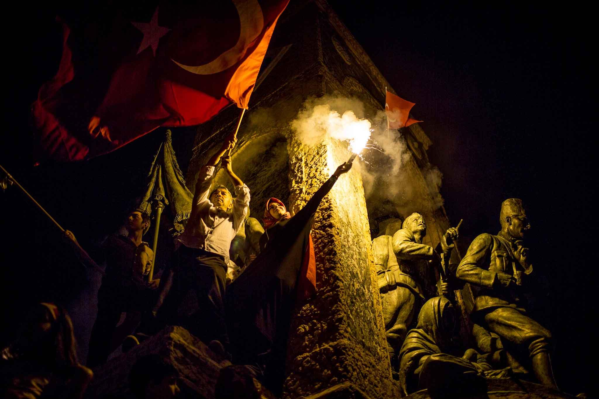 «Страна идет напоправку»— Эрдоган призвал жителей Турции непаниковать