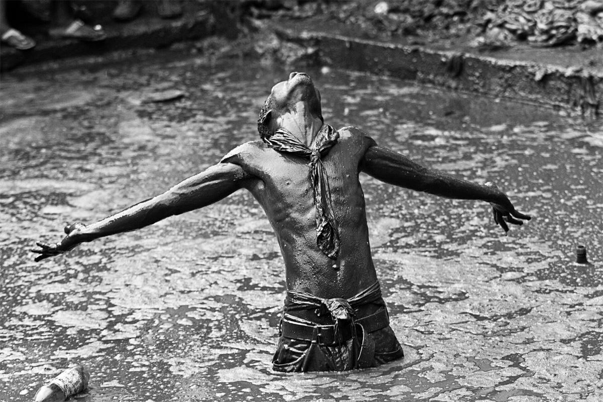 Джорди Коэн. Из серии «Haitian Vodoo». Победитель в категории «Люди» среди непрофессионалов