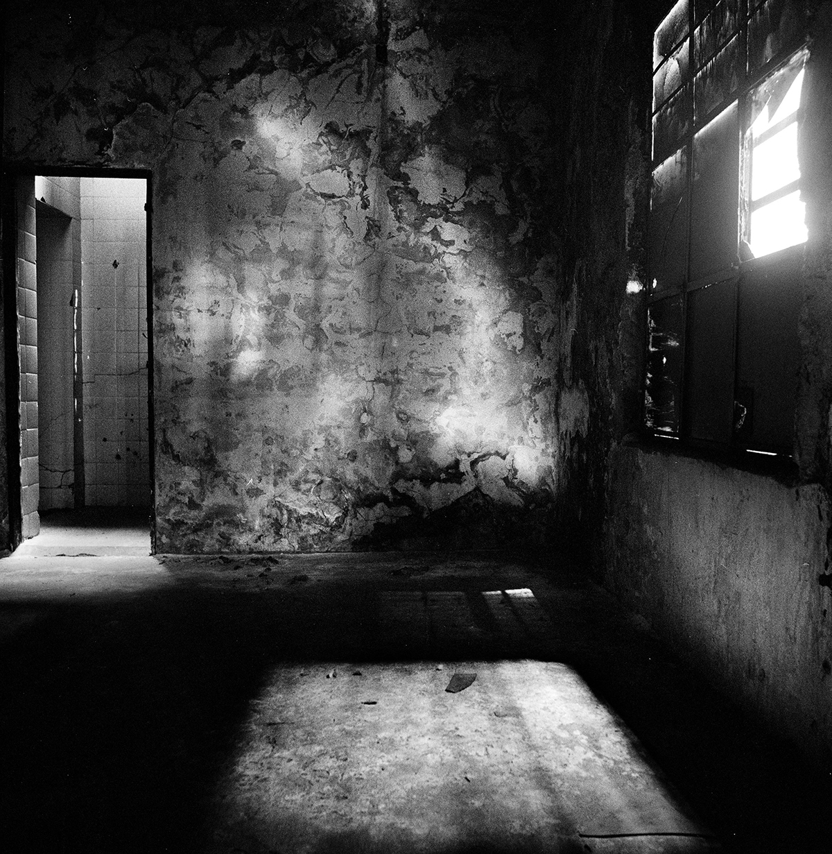 Из серии «Пыточные центры». Комната пыток в Олимпо, бывшем подпольном центре для задержанных в Буэнос-Айресе. В нём военные и федеральная полиция допрашивали и убивали левых в 1976–1983 годах.