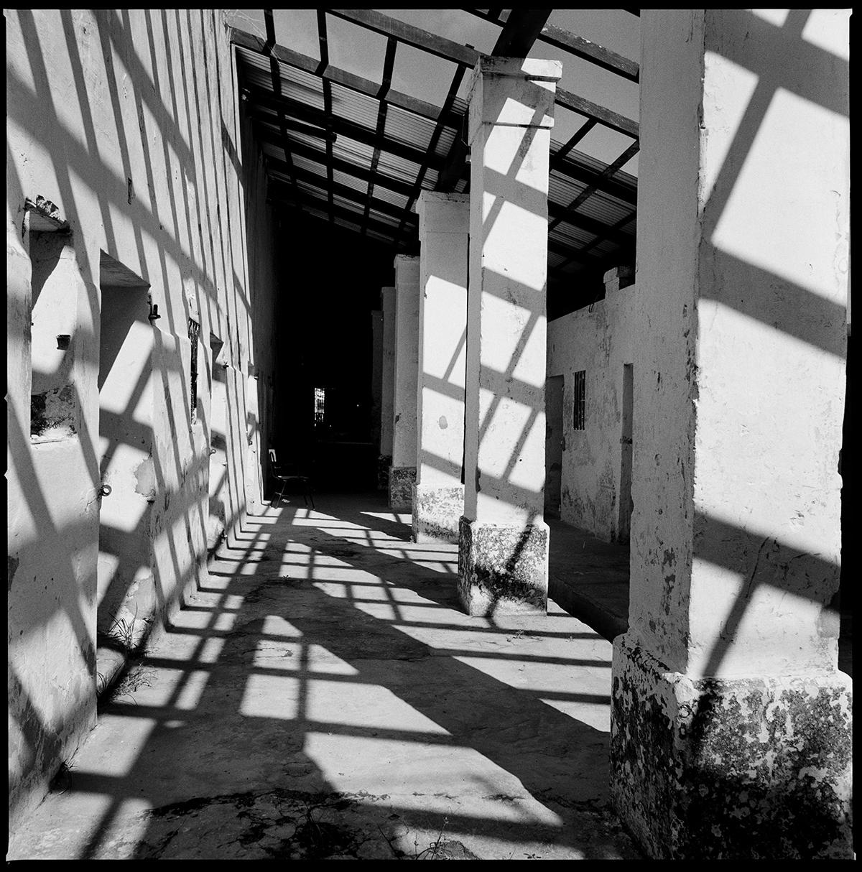Бывший концлагерь в Парагвае. Его построили для содержания политических заключённых при Альфредо Стресснере. Сегодня здесь находится тюрьма строгого режима, а бывшие камеры используют в качестве мастерских и учебных кабинетов.