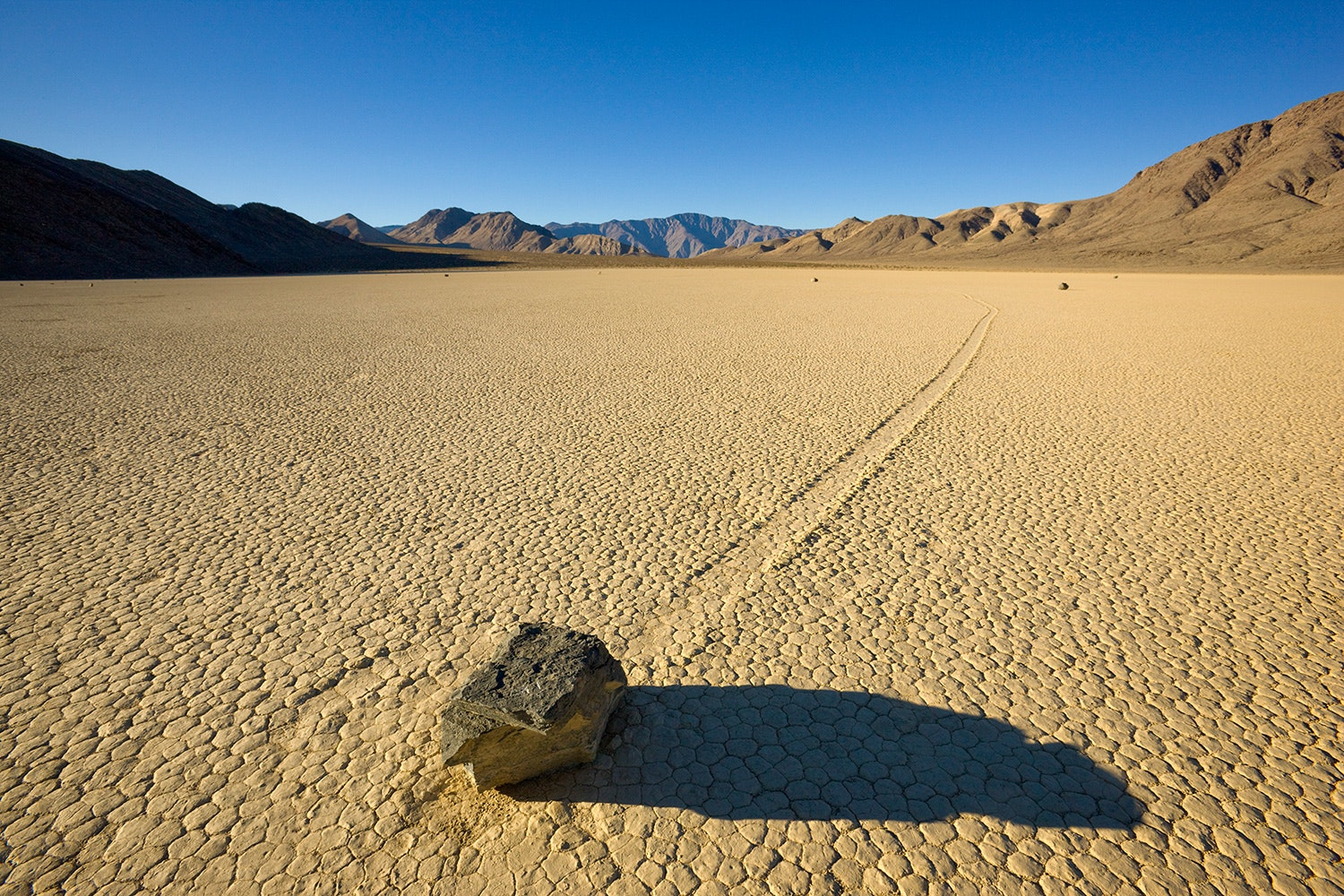 Death-Valley-Sailing-Stones_01
