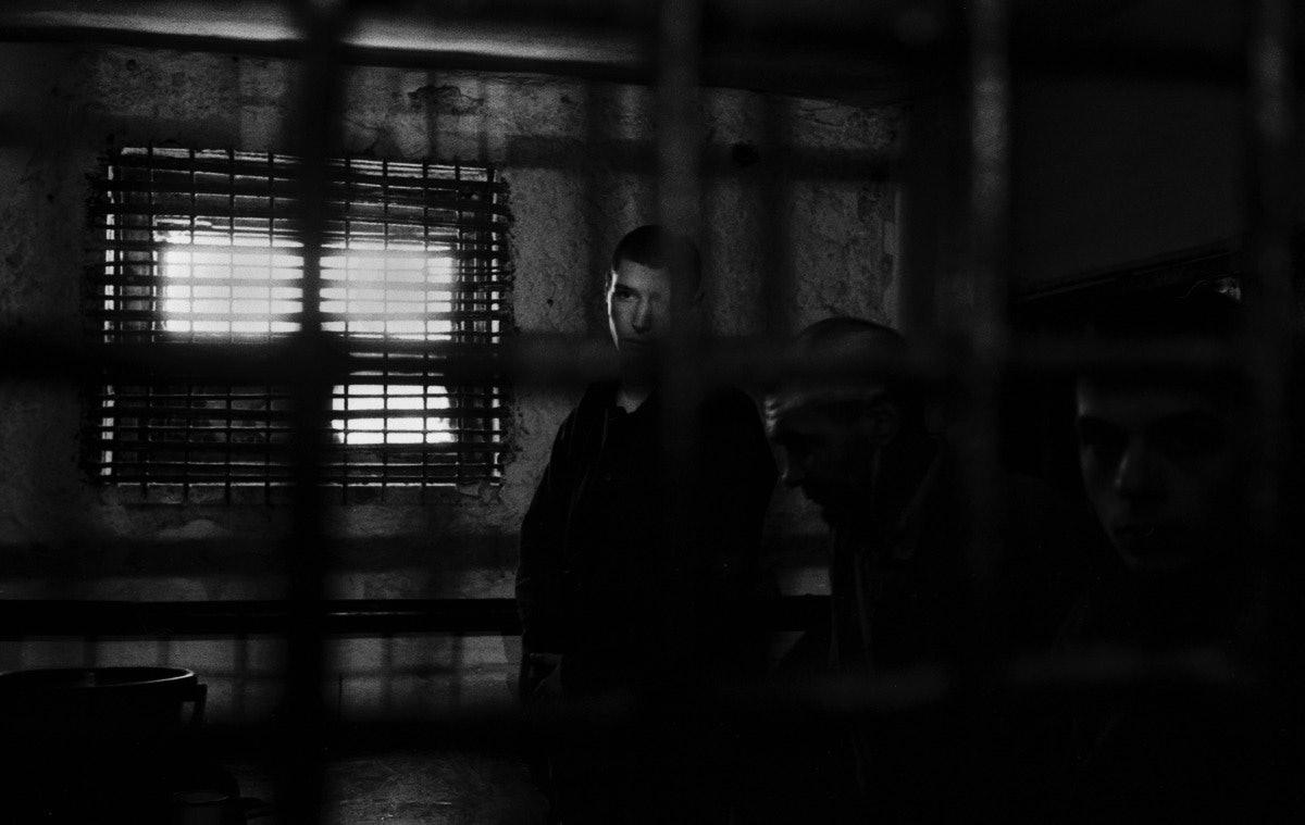 glyadyelov_prison001