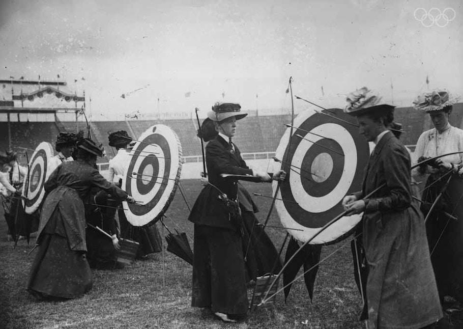 Стрельба из лука — единственная дисциплина на Олимпиаде 1904 года, в которой соревновались женщины