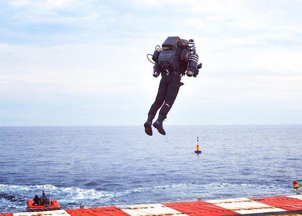 Создатели «реактивного ранца» JB10 показали 1-ый полет устройства