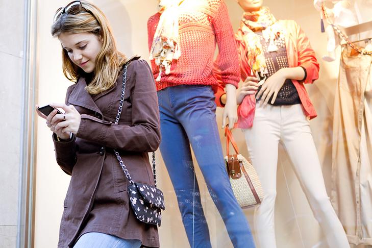 В Инстаграм можно будет приобрести понравившиеся товары