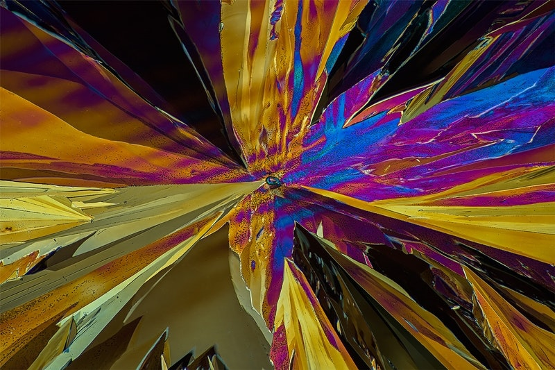 Фотограф показал таблетки парацетамола под микроскопом. Парацетамол в масштабе 120:1. Интернет - журнал birdinflight.com