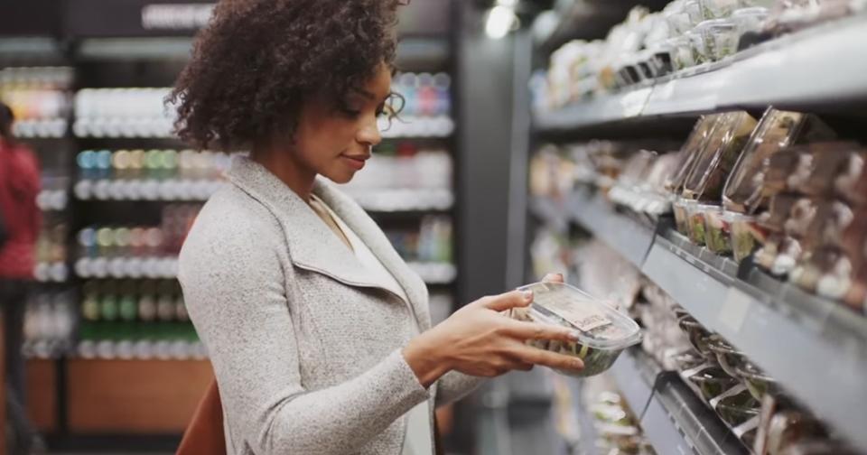 Amazon откроет супермаркет без кассиров иочередей