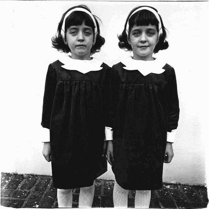 diane-arbus-twins_705x706
