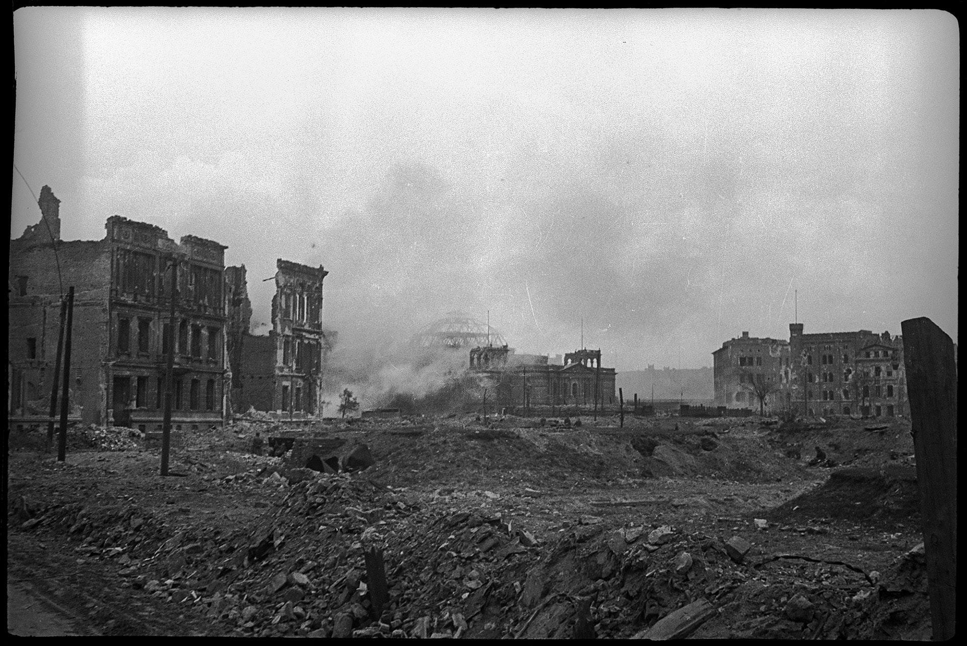 Германия, Берлин, 1945Рейхстаг