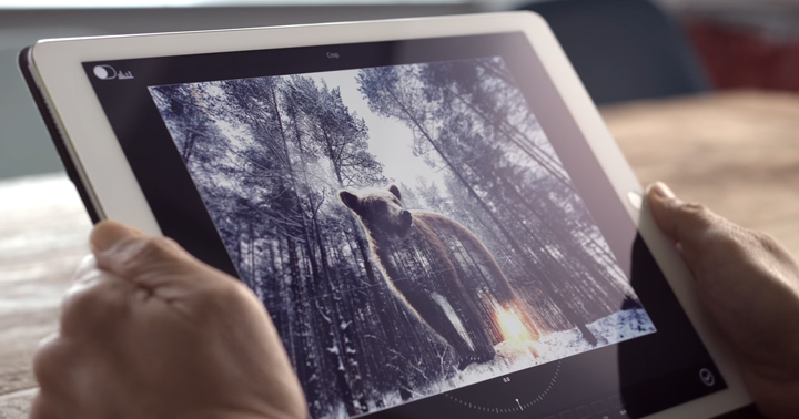 Adobe показала фоторедактор сголосовым управлением