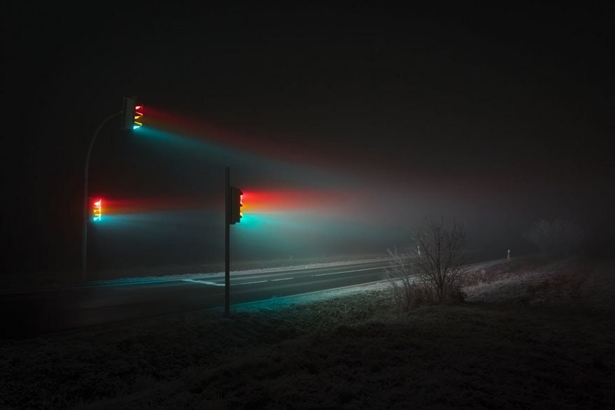 traffic-lights-in-the-fog_01