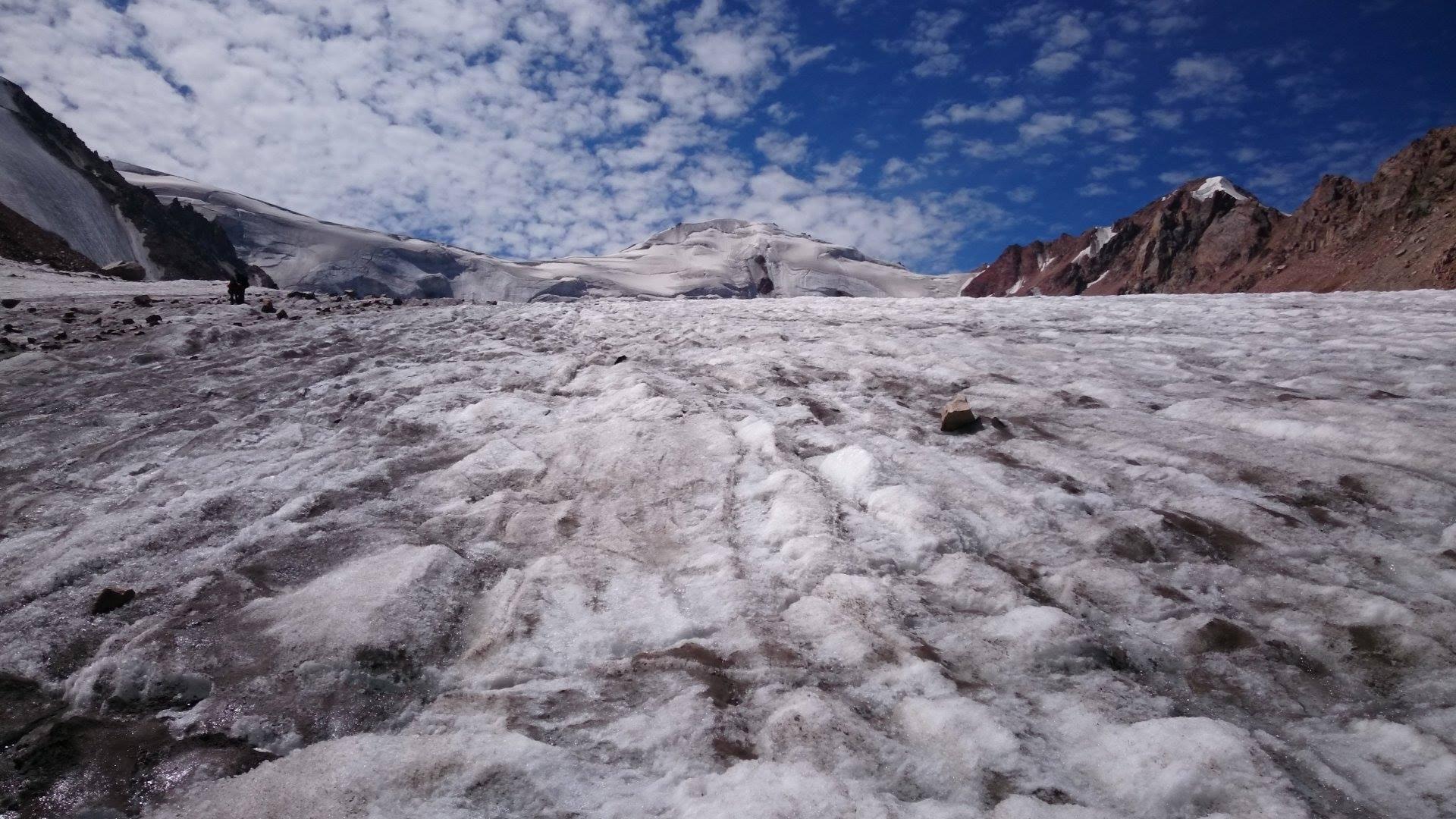 Картинки по запросу Одиночество на льду: История женщины, 32 года прожившей на леднике
