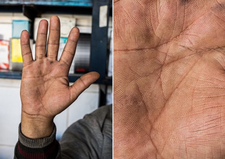 hands-story_03