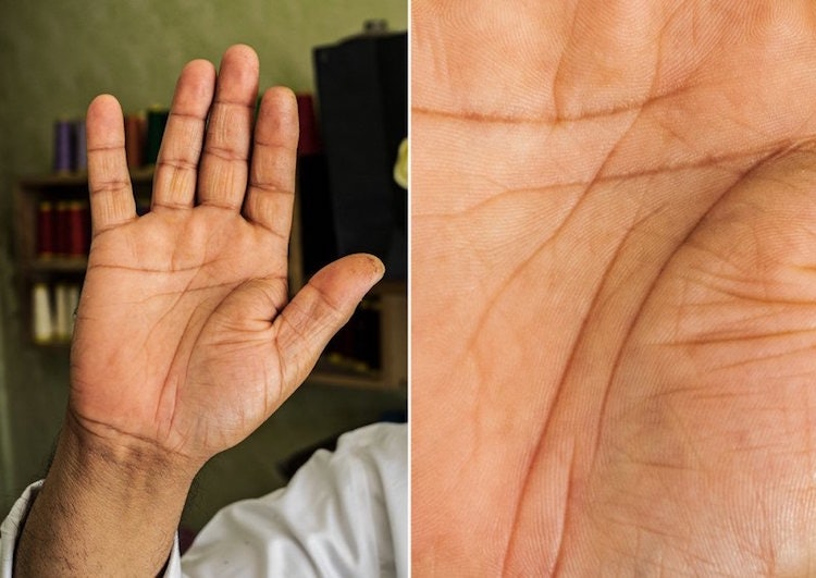 hands-story_05