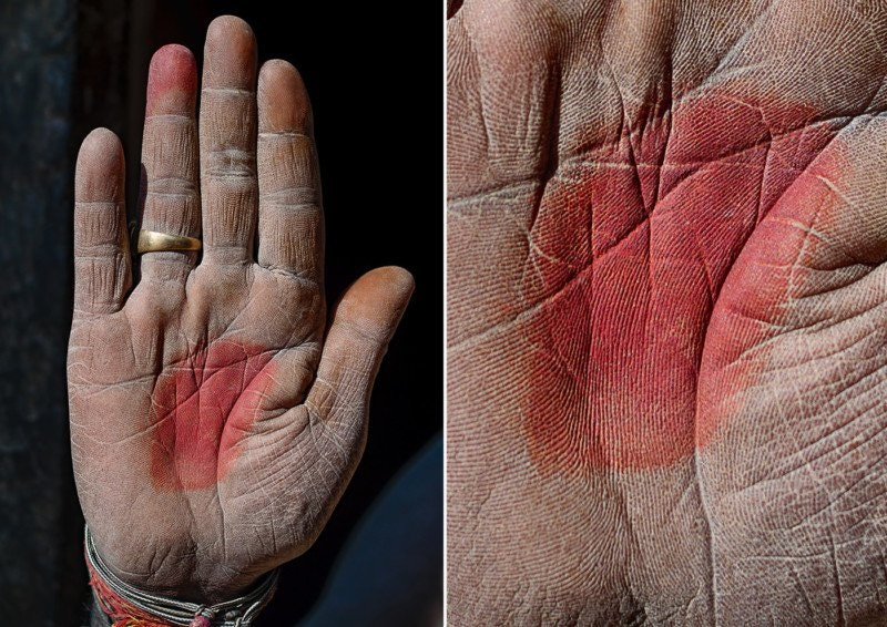 hands-story_10