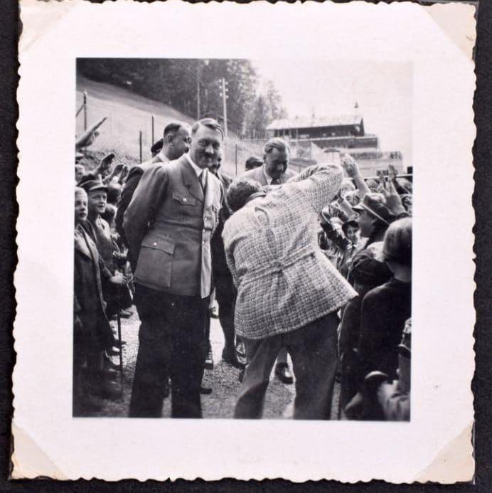 hitler-album-auction_06