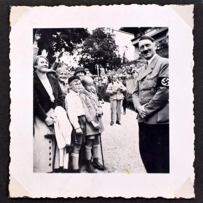 hitler-album-auction_07