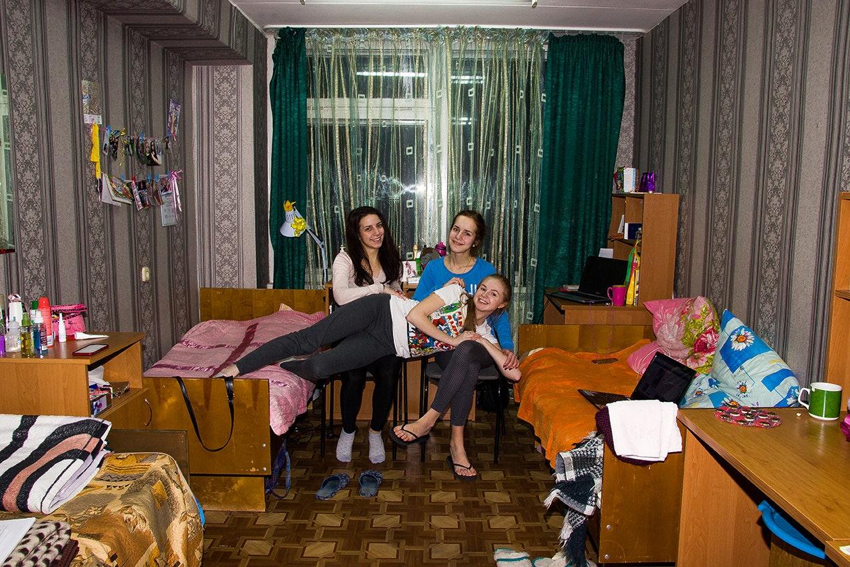 svirepa-tanja_molodost-vse-prostit_09