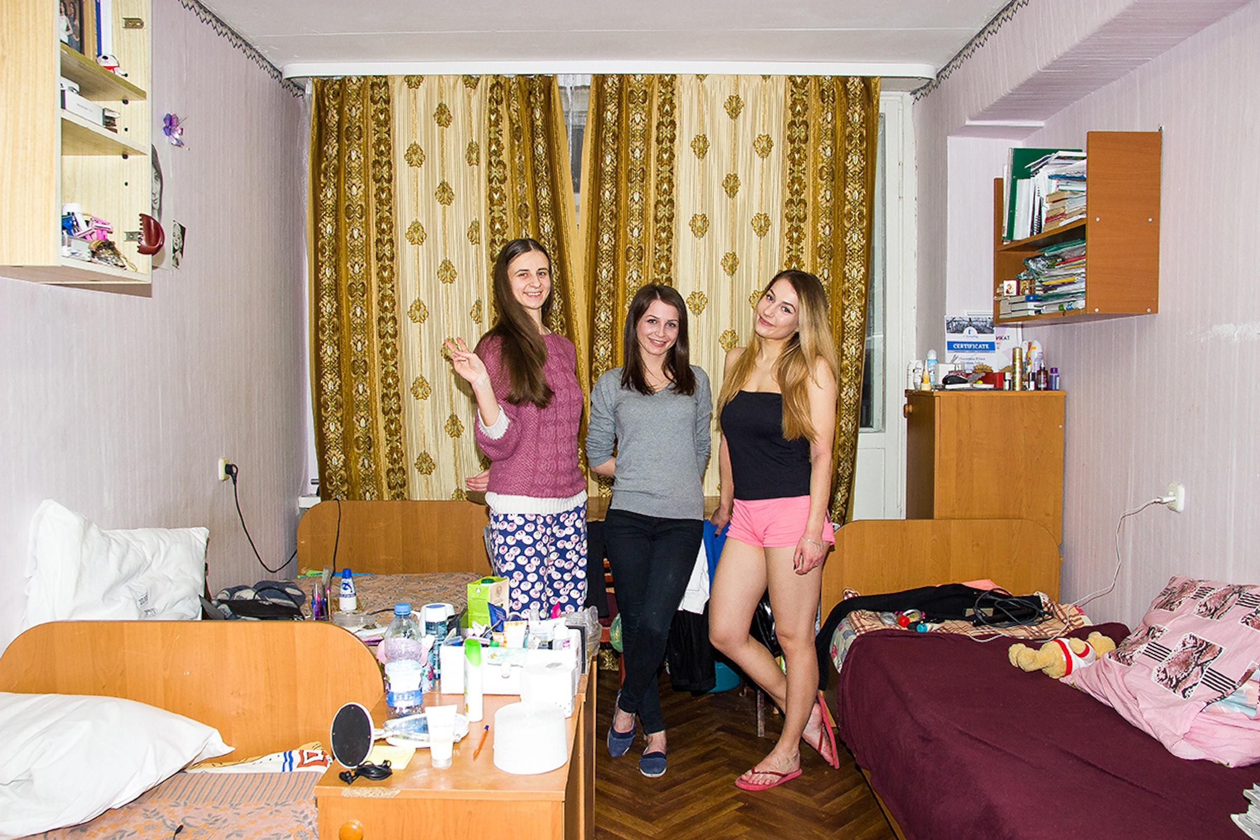 studentki-v-muzhskom-obshezhitii