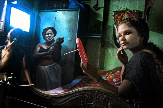 photographer-souvid-datta-appears-plagiarized-mary-ellen-mark_cover