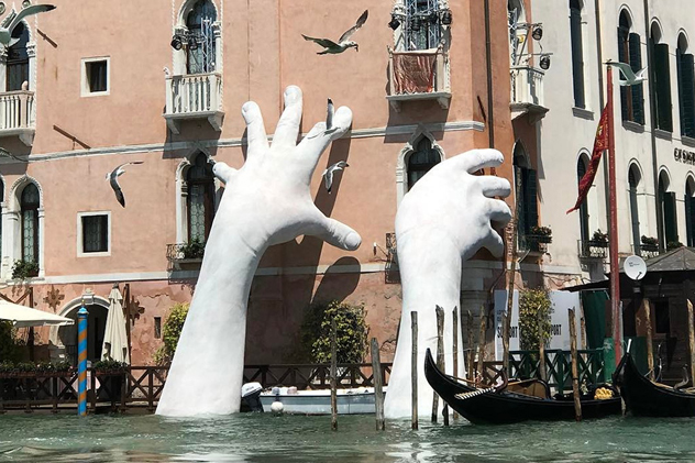 https://birdinflight.imgix.net/wp-content/uploads/2017/05/support-sculpture-venice_cover.jpg