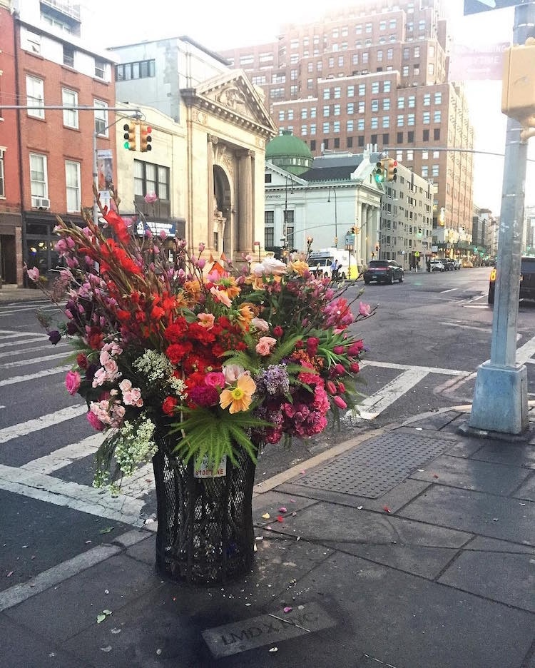 trash-can-flowers-nyc-lewis-miller_01
