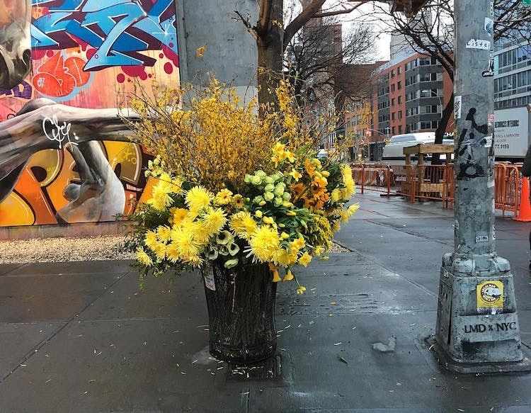 trash-can-flowers-nyc-lewis-miller_03