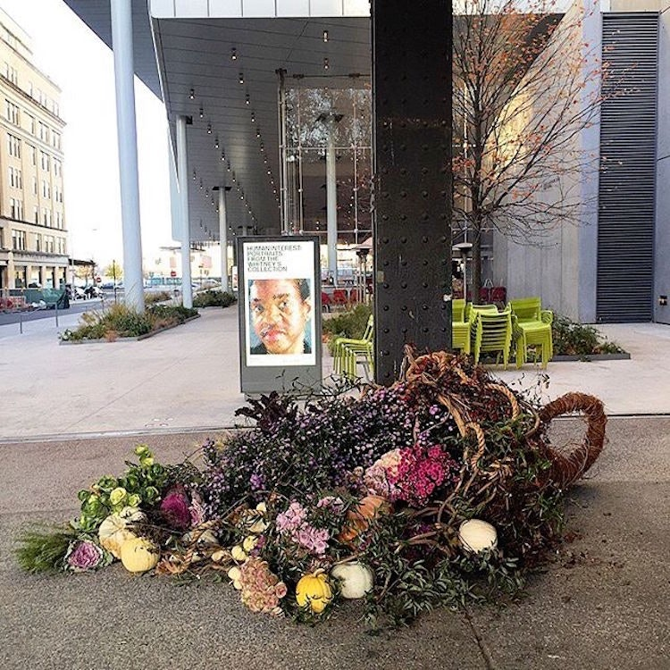 trash-can-flowers-nyc-lewis-miller_09