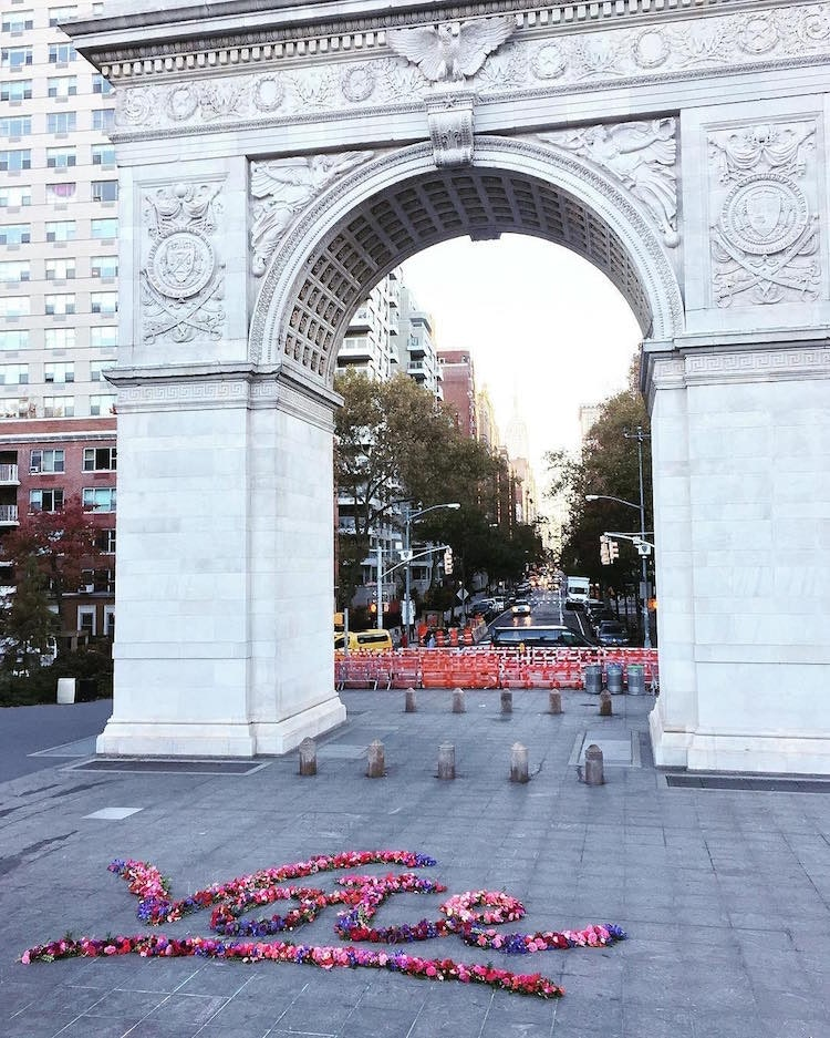 trash-can-flowers-nyc-lewis-miller_10