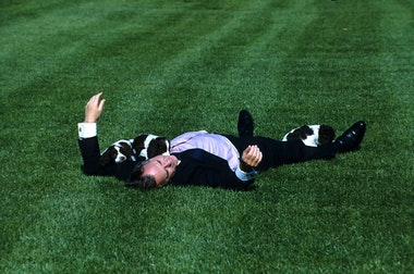 Буш-старший любил своих собак-min