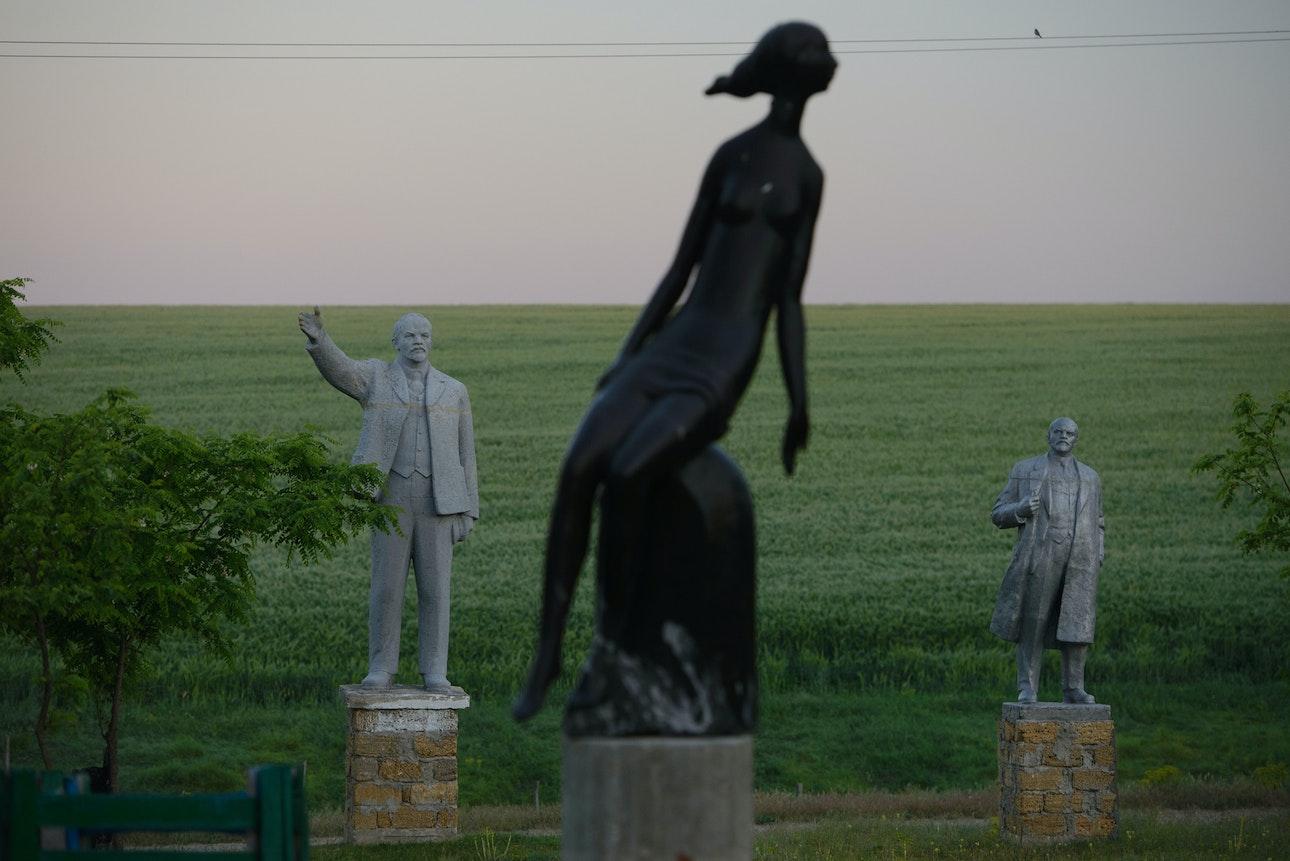 Statue_07
