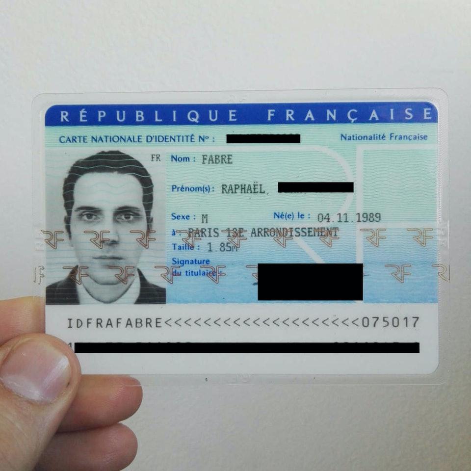 carte-identite-photo-en-3d-3