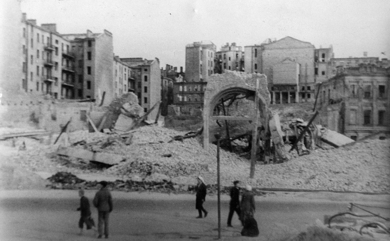 khreschatyk-destruction-06