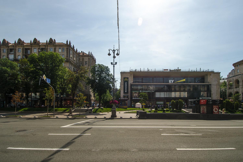 Место где находился дом по адресу Крещатик 29. Фото Савелий Барашков