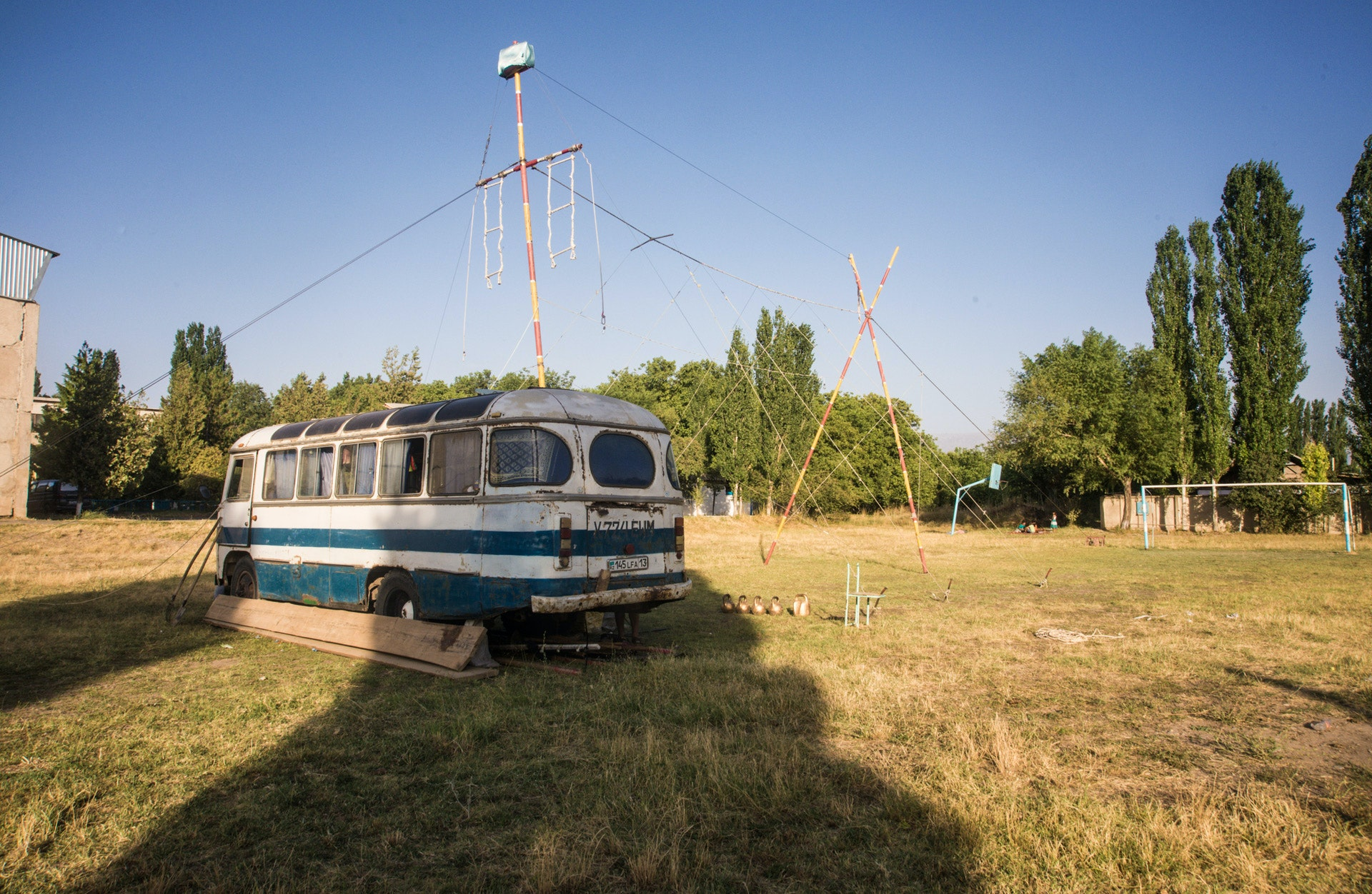 Circus-Ongarbaev_01