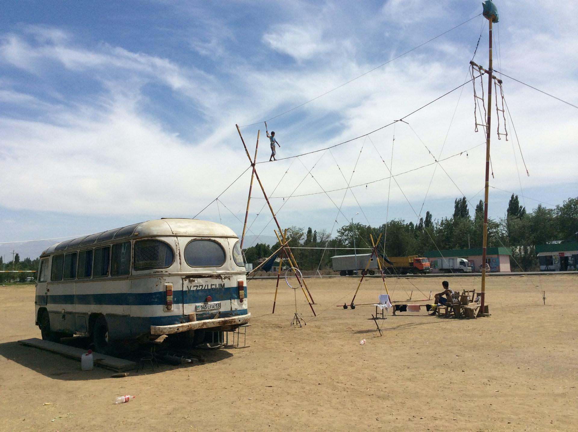 Circus-Ongarbaev_08